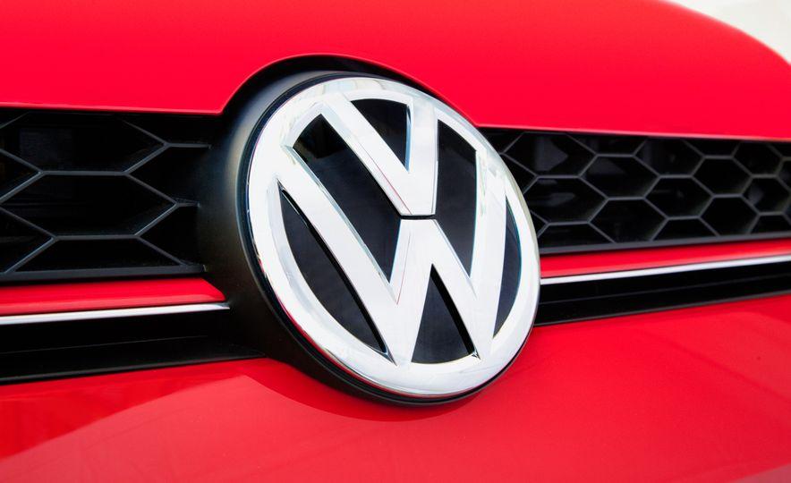 2015 Volkswagen GTI - Slide 8