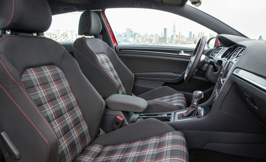 2015 Volkswagen GTI - Slide 17