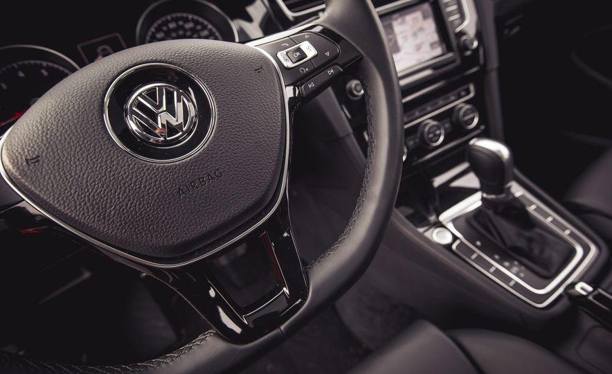2015 Volkswagen Golf 1.8T TSI - Slide 40