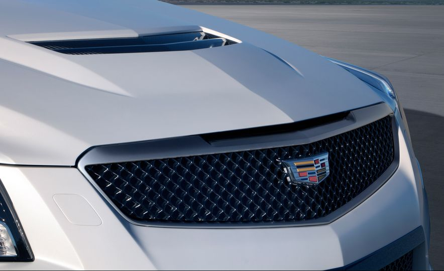 2016 Cadillac ATS-V coupe - Slide 11