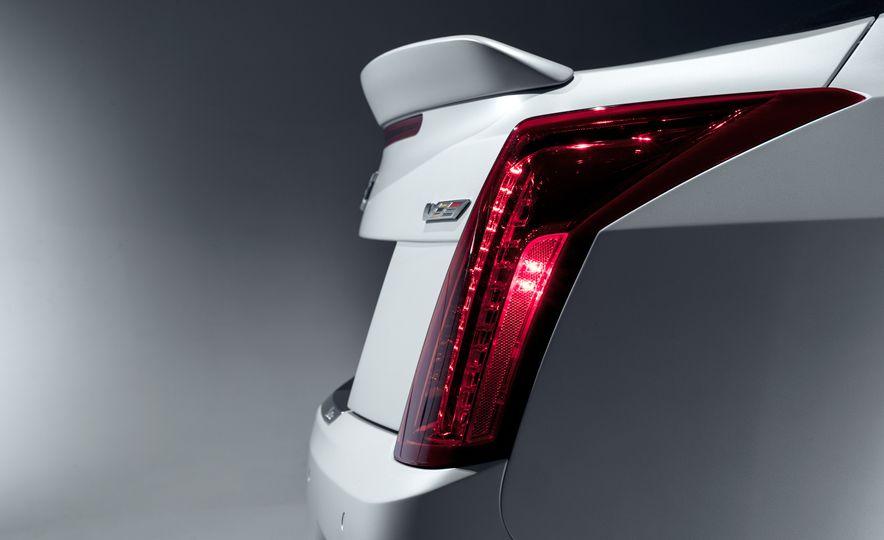 2016 Cadillac ATS-V coupe - Slide 21
