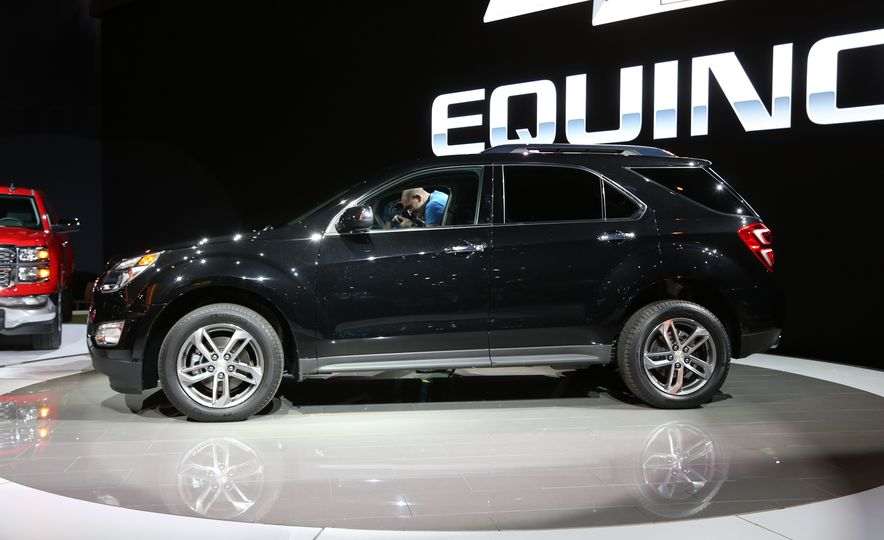 2016 Chevrolet Equinox LTZ - Slide 2