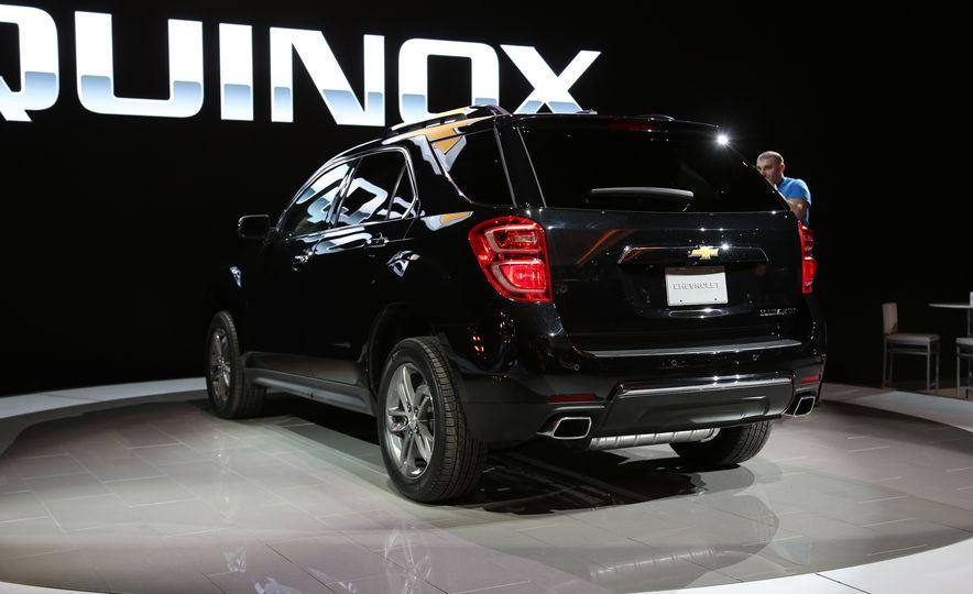 2016 Chevrolet Equinox LTZ - Slide 4