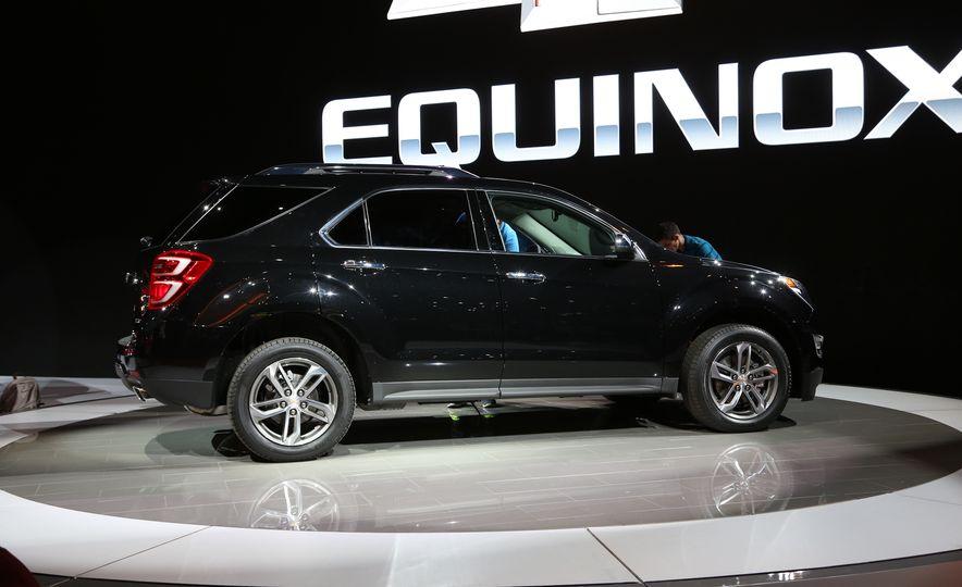 2016 Chevrolet Equinox LTZ - Slide 5