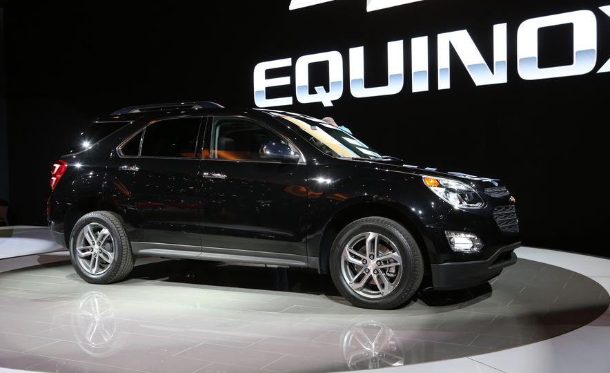 2016 Chevrolet Equinox LTZ - Slide 7