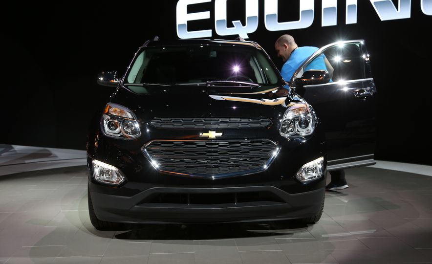 2016 Chevrolet Equinox LTZ - Slide 11