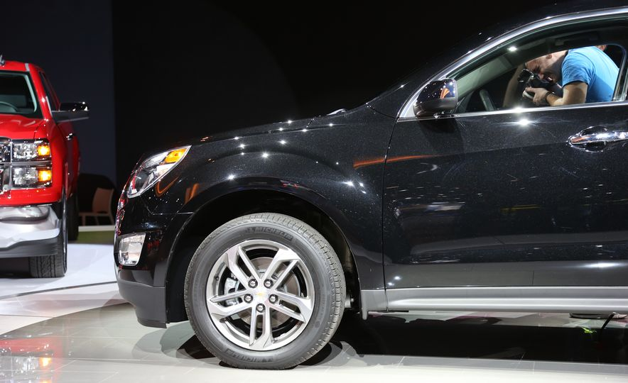 2016 Chevrolet Equinox LTZ - Slide 14