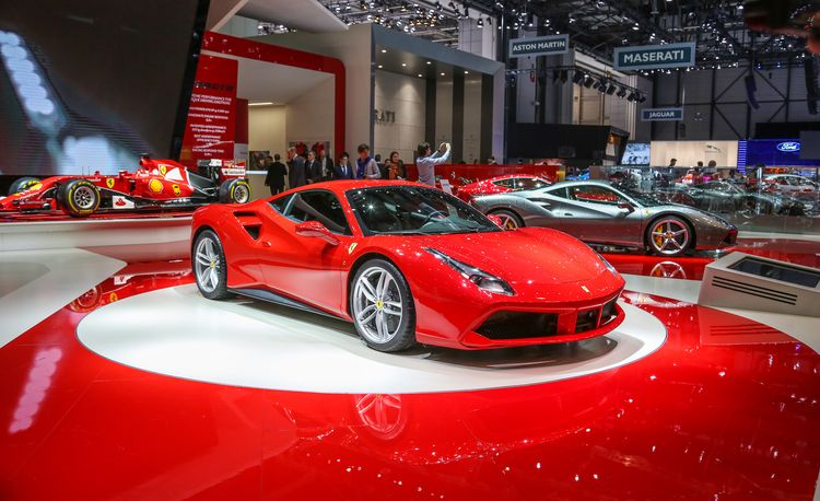 2016 Ferrari 488GTB Revealed! The 458 Successor Goes Turbo