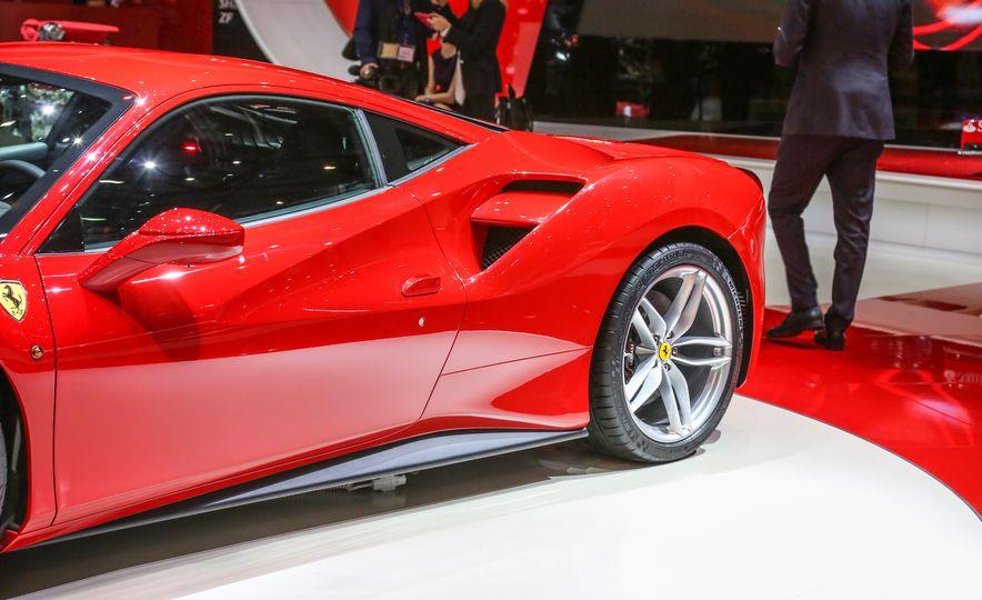 2016 Ferrari 488GTB - Slide 8