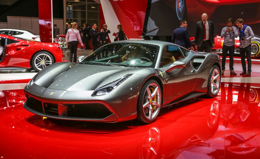 2016 Ferrari 488GTB - Slide 14