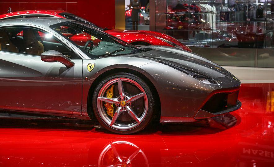 2016 Ferrari 488GTB - Slide 16