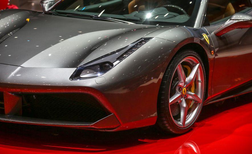 2016 Ferrari 488GTB - Slide 21