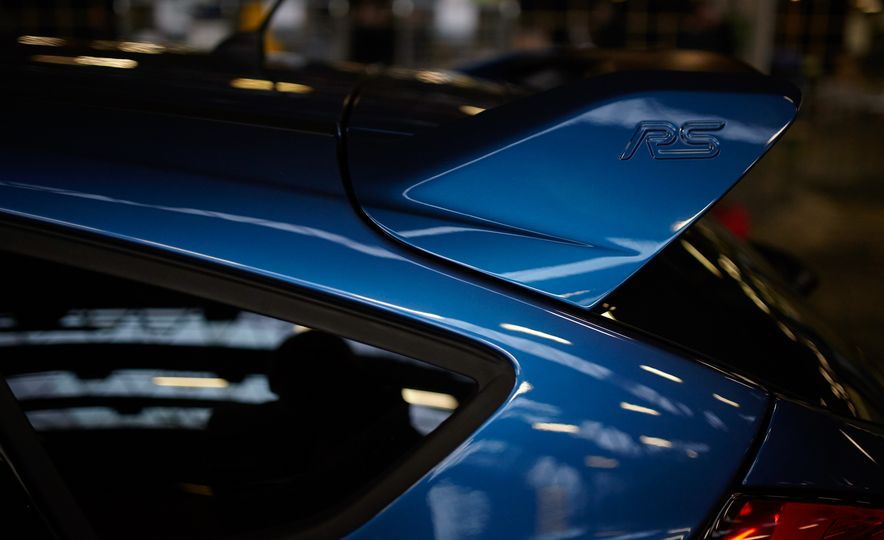 2016 Ford Focus RS - Slide 22