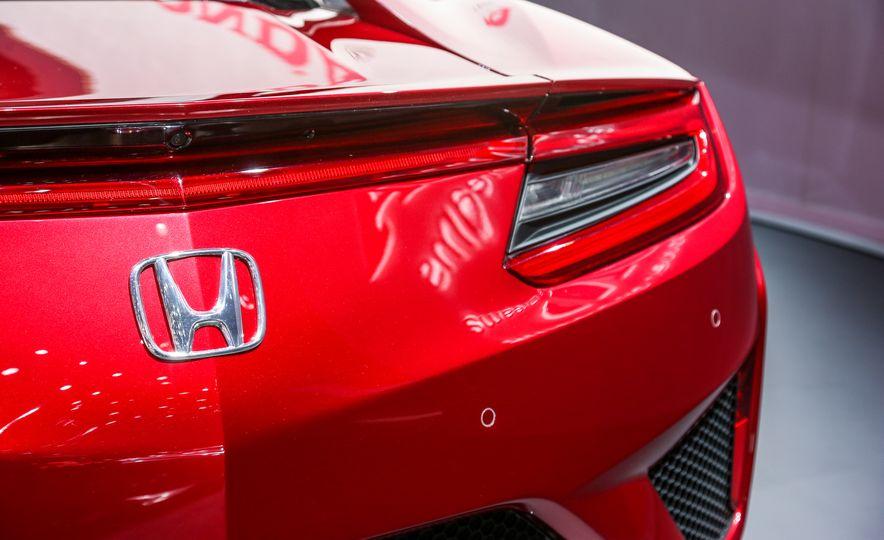 2016 Honda NSX - Slide 18