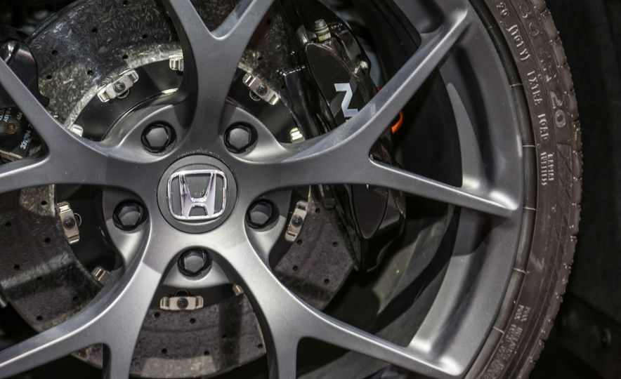 2016 Honda NSX - Slide 22