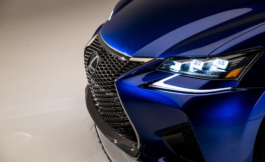 2016 Lexus GS F - Slide 4