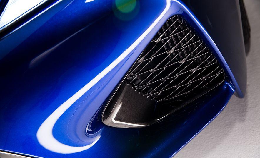 2016 Lexus GS F - Slide 6