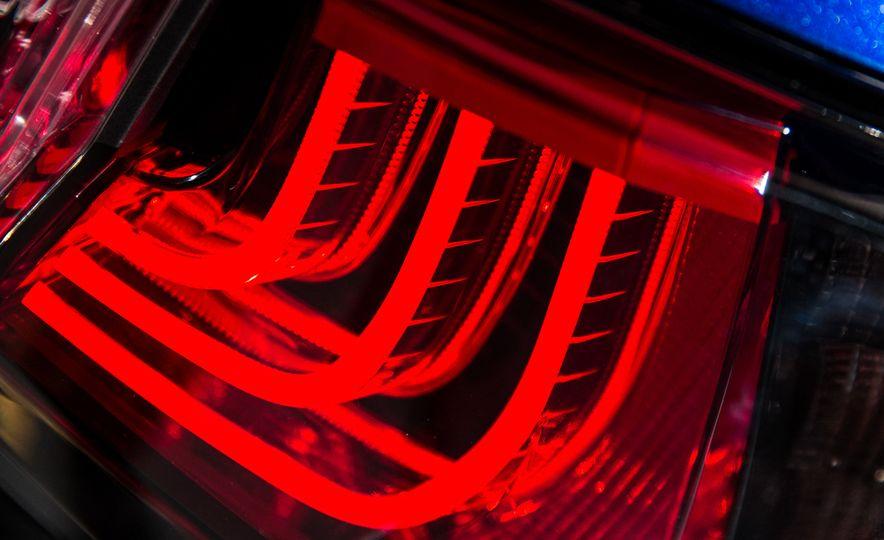 2016 Lexus GS F - Slide 8