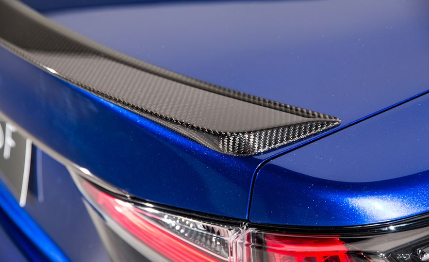 2016 Lexus GS F - Slide 9