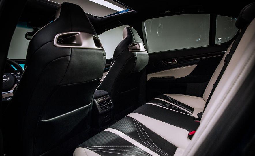 2016 Lexus GS F - Slide 19