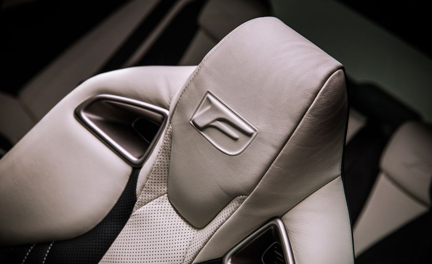 2016 Lexus GS F - Slide 25