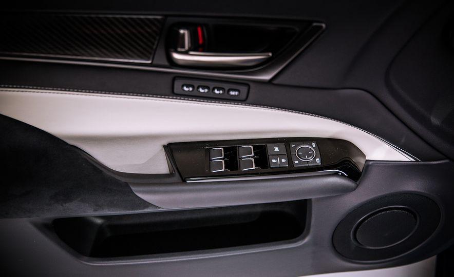 2016 Lexus GS F - Slide 33