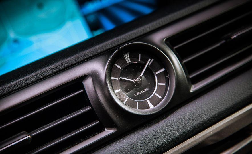 2016 Lexus GS F - Slide 35