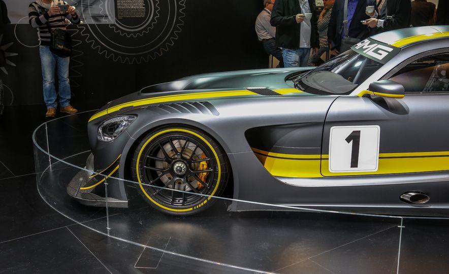2016 Mercedes-AMG GT3 - Slide 12
