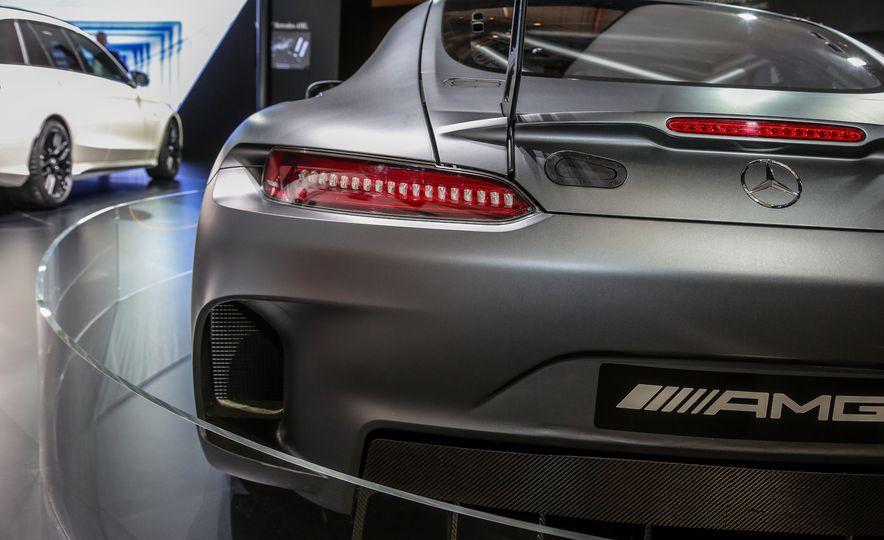 2016 Mercedes-AMG GT3 - Slide 14