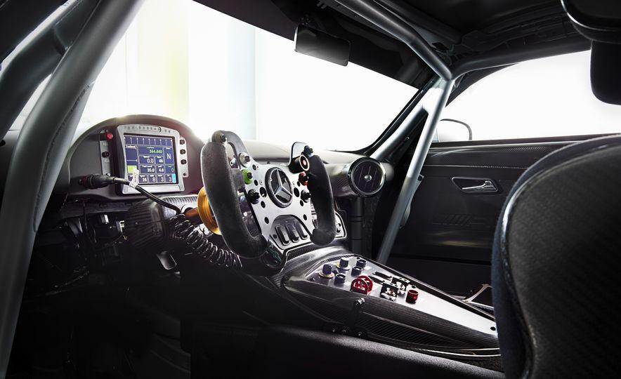 2016 Mercedes-AMG GT3 - Slide 18