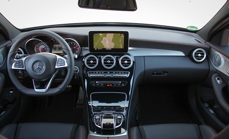 2016 Mercedes-Benz C450 AMG 4MATIC - Slide 24