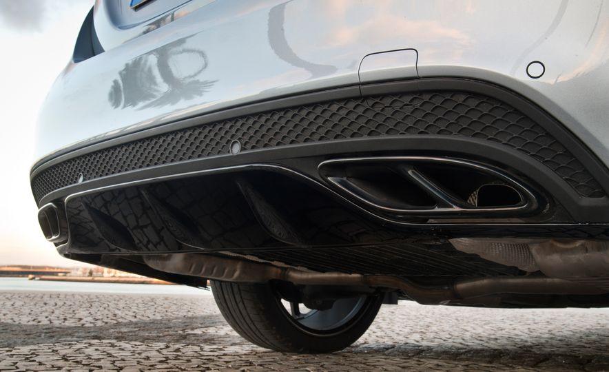 2016 Mercedes-Benz C450 AMG 4MATIC - Slide 45