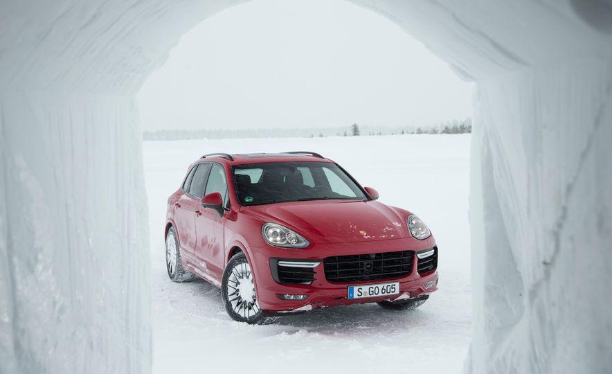 2016 Porsche Cayenne GTSs - Slide 28