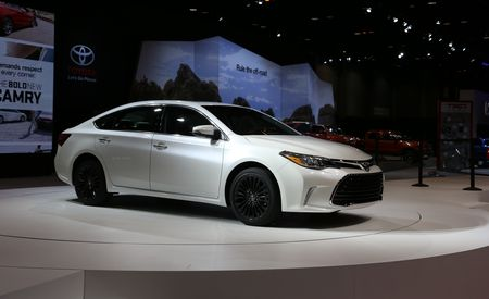 2016 Toyota Avalon Debuts – Official Photos and Info