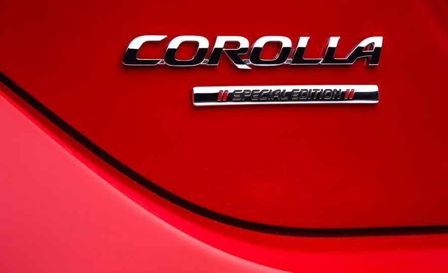 2016 Toyota Corolla Special Edition - Slide 5