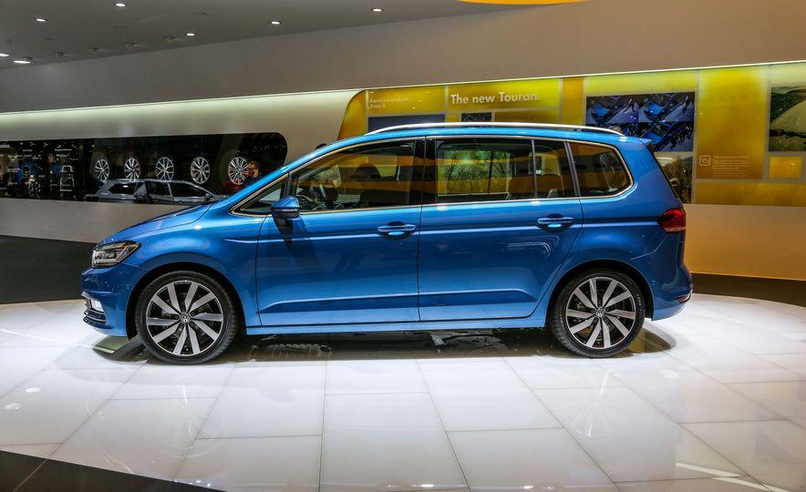 2016 Volkswagen Touran - Slide 1