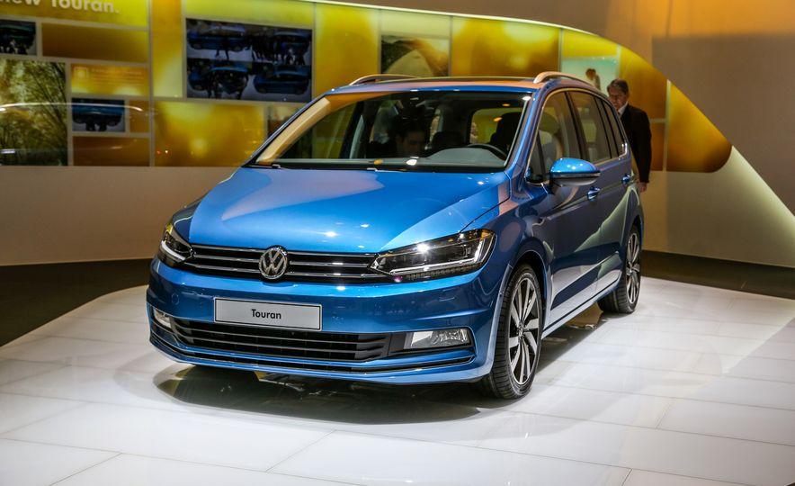 2016 Volkswagen Touran - Slide 3