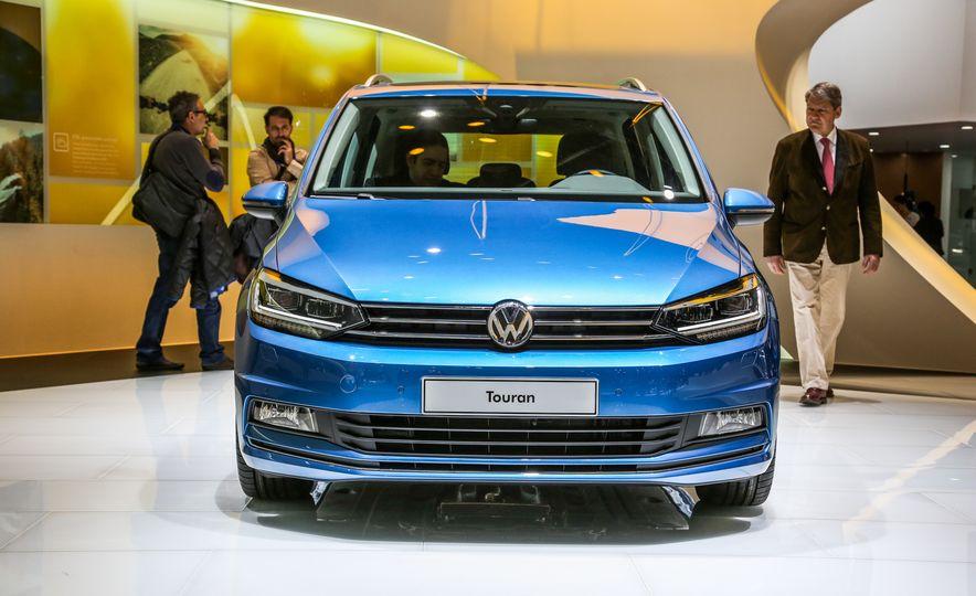2016 Volkswagen Touran - Slide 4
