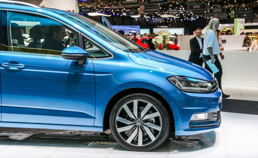 2016 Volkswagen Touran - Slide 9