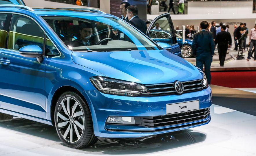 2016 Volkswagen Touran - Slide 10
