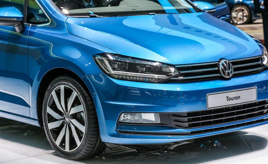 2016 Volkswagen Touran - Slide 11