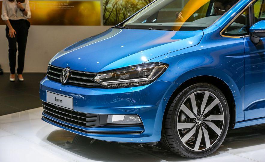 2016 Volkswagen Touran - Slide 12