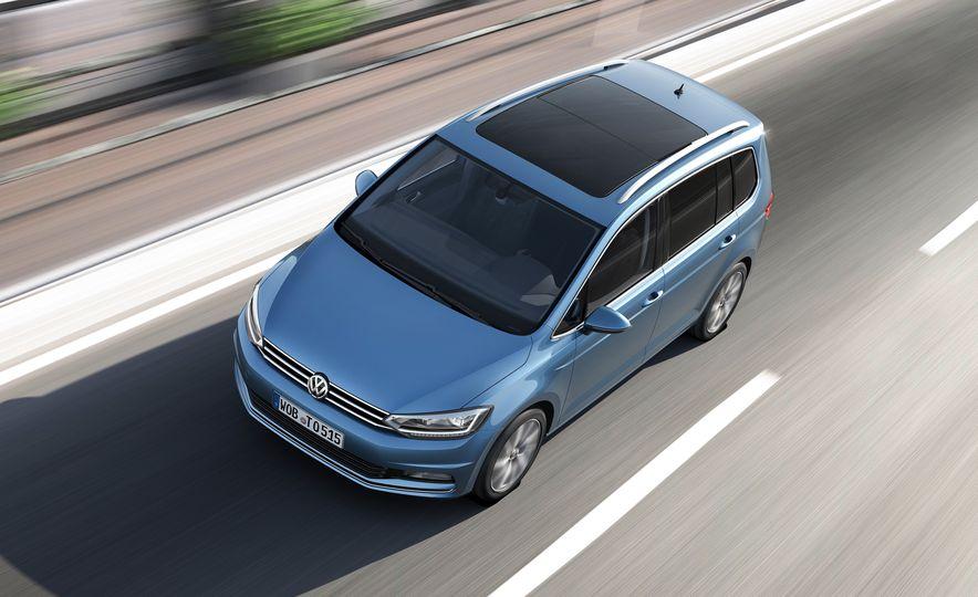 2016 Volkswagen Touran - Slide 22