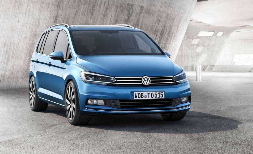 2016 Volkswagen Touran - Slide 24