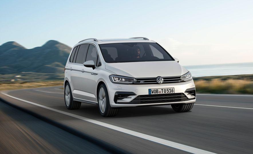 2016 Volkswagen Touran - Slide 17