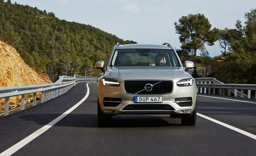 2016 Volvo XC90 D5 (Euro-spec) and T6 - Slide 86