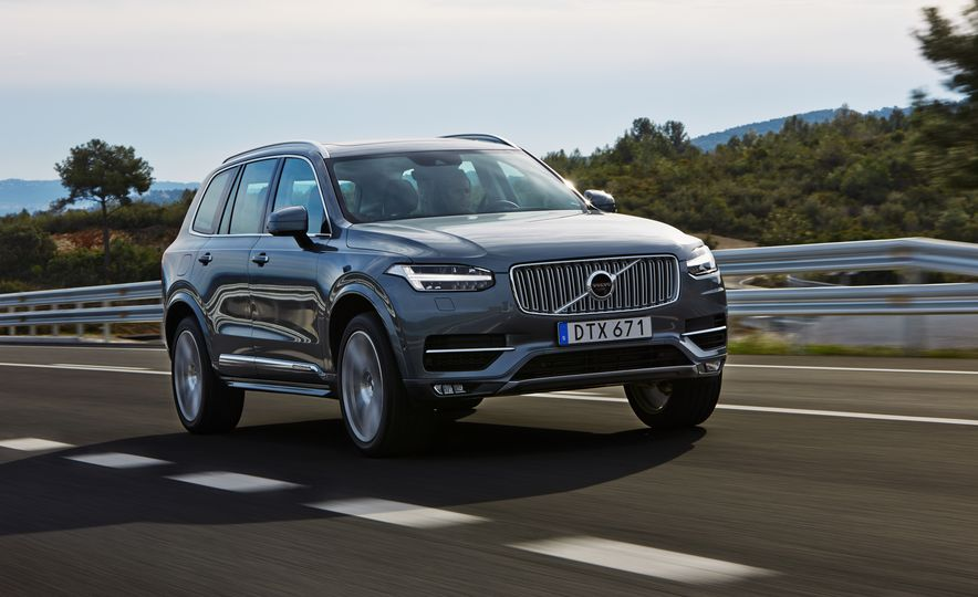 2016 Volvo XC90 D5 (Euro-spec) and T6 - Slide 2