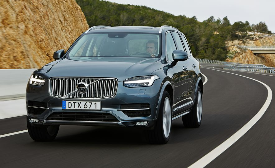 2016 Volvo XC90 D5 (Euro-spec) and T6 - Slide 4