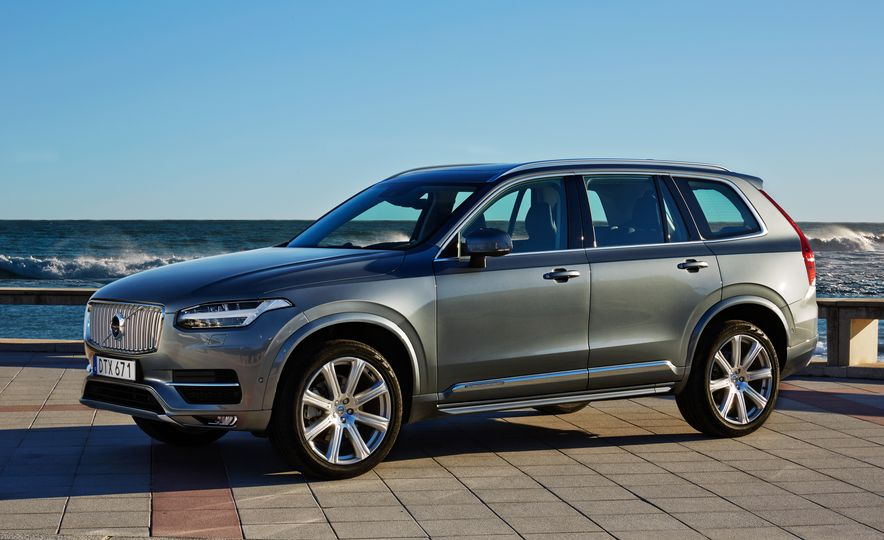 2016 Volvo XC90 D5 (Euro-spec) and T6 - Slide 6