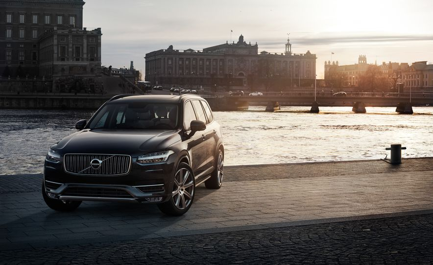 2016 Volvo XC90 D5 (Euro-spec) and T6 - Slide 13